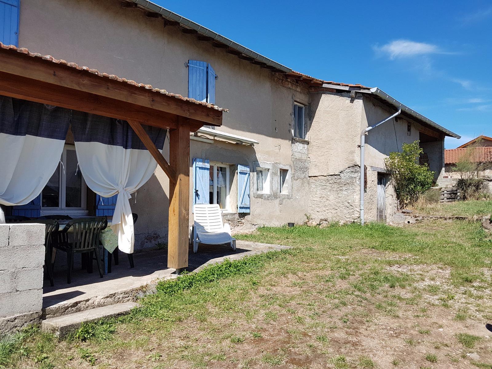Annonce vente maison chazelles sur lyon 42140 100 m for Maison et reflet lyon